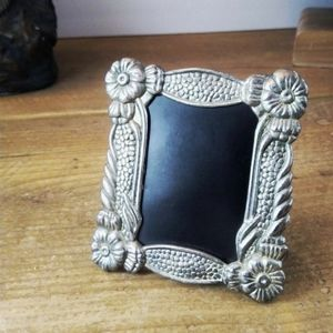 "Small silver-tone frame 2"""